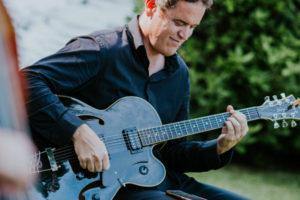 Le guitariste groupe jazz Genève